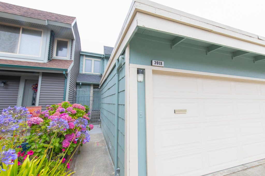 Main picture of House for rent in South San Francisco, CA